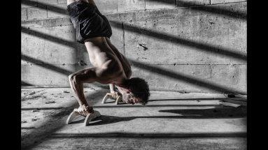 handstand-pushup-dos-au-mur-simon-hamptaux-callisthenie